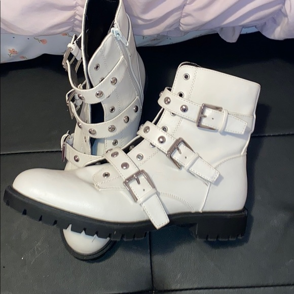 Guess Shoes   Guess White Combat Boots